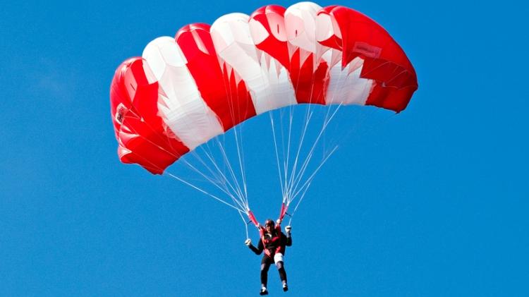 parachute_756782Small