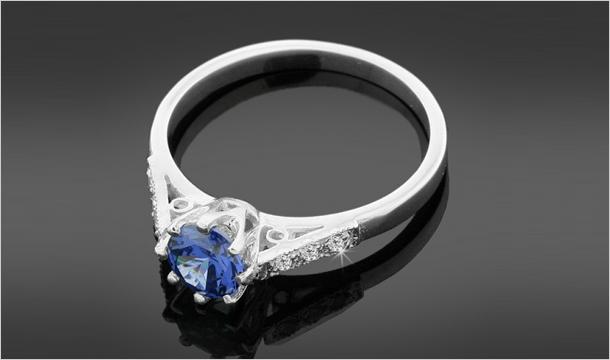 JAZZY DEALS LTD: Diamond & Tanzanite Ring