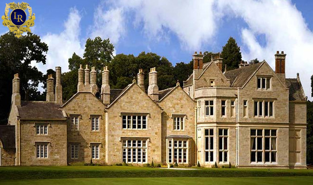 Lough Rynn Castle: Thursday Special:1 Night Castle B&B Stay for 2 with Late Checkout at Lough Rynn Castle, Co. Leitrim